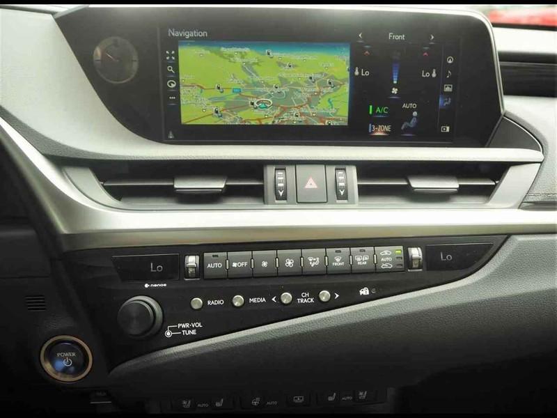 Lexus ES ES300H 2.5H ECVT 4P LUX MY19