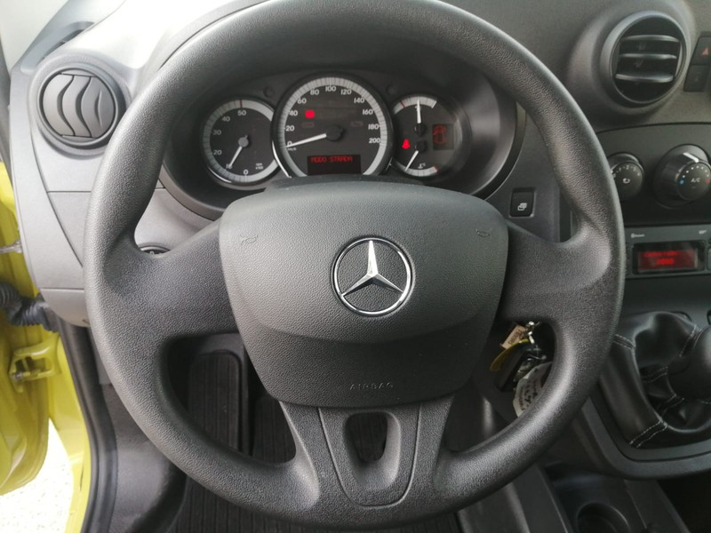 Mercedes Classe E Berlina 109 CDI Furgone Long diesel verde
