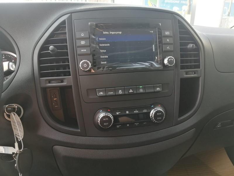 Mercedes Vito 119 cdi extralong tourer auto my20 diesel nero