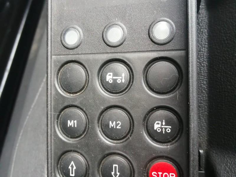 Mercedes Atego 818 cabinato con cella isotermica e gruppo frigo
