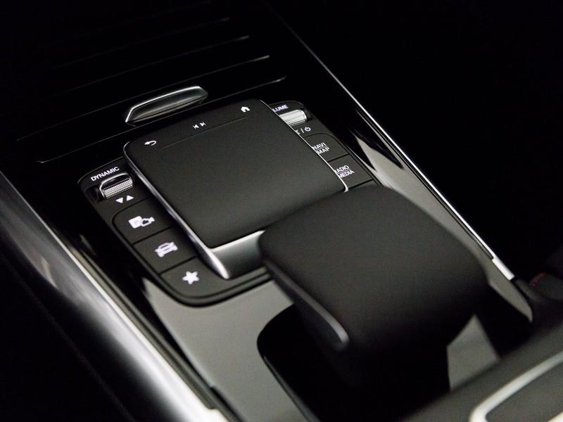 Mercedes GLA 200 d premium auto diesel argento