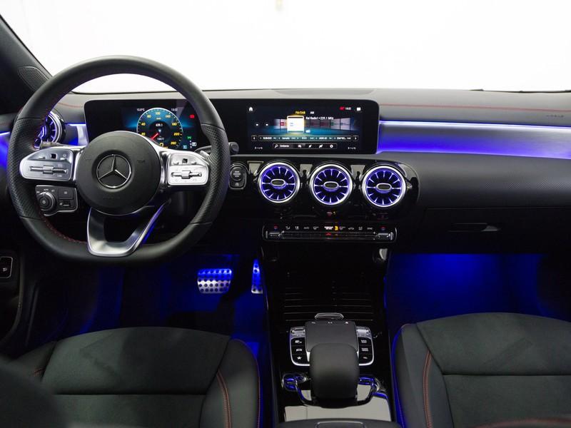 Mercedes CLA Shooting Brake  200 d premium auto diesel bianco