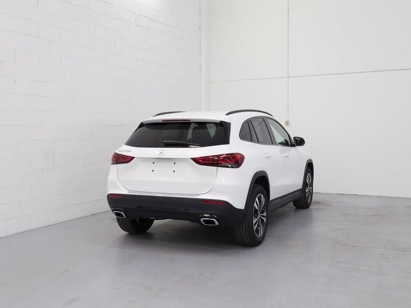 Mercedes GLA 200 sport plus auto benzina bianco
