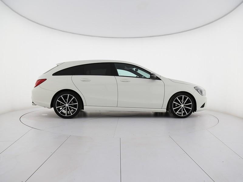 Mercedes CLA Shooting Brake  200 d sport night auto diesel bianco
