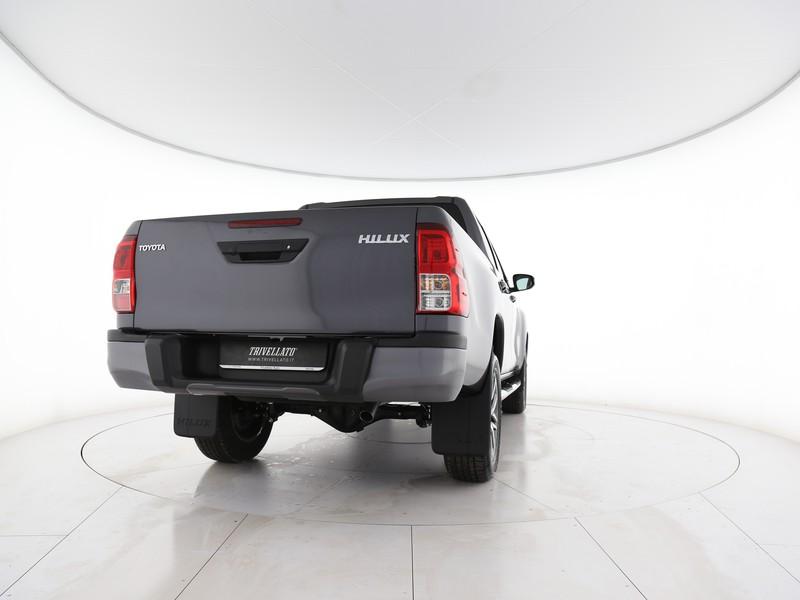 Toyota HiLux 2.4 d-4d c&c 4x4 comfort my19 diesel grigio