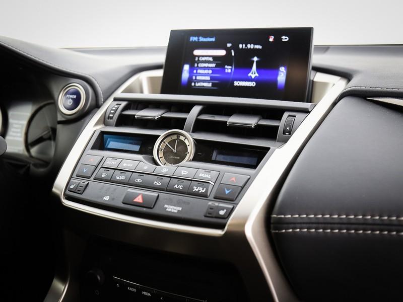 Lexus NX 300h 2.5 icon 4wd cvt