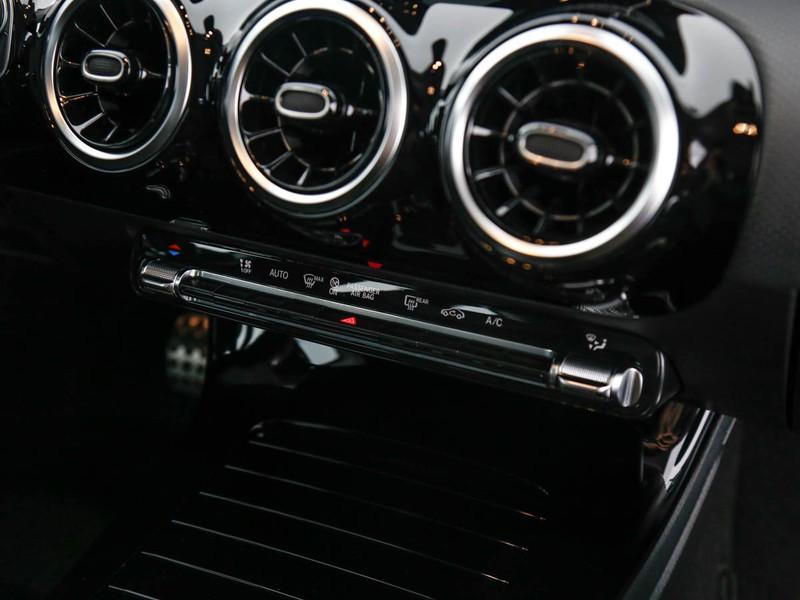 Mercedes Classe A 180 d premium auto diesel bianco