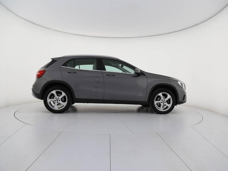 Mercedes GLA 180 d sport diesel grigio