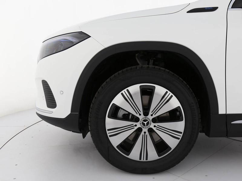 Mercedes EQA sport elettrica bianco