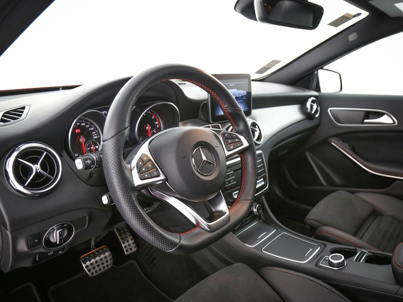 Mercedes GLA 200 d premium auto diesel rosso