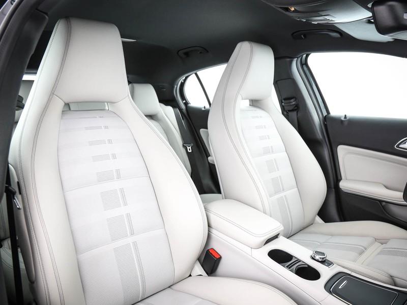 Mercedes GLA 200 d sport auto diesel nero