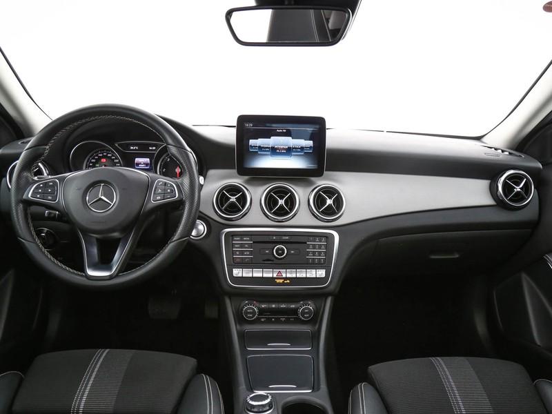 Mercedes GLA 200 d sport 4matic auto diesel nero