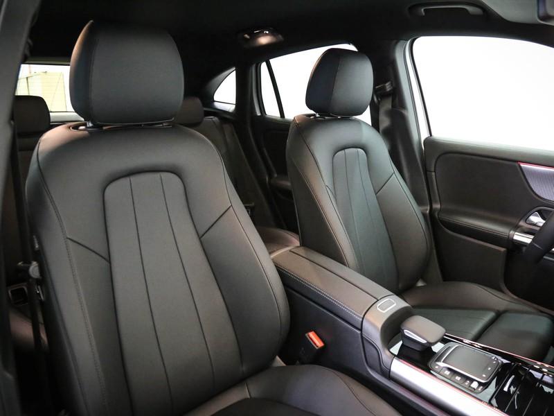 Mercedes GLA 200 d sport plus auto diesel argento
