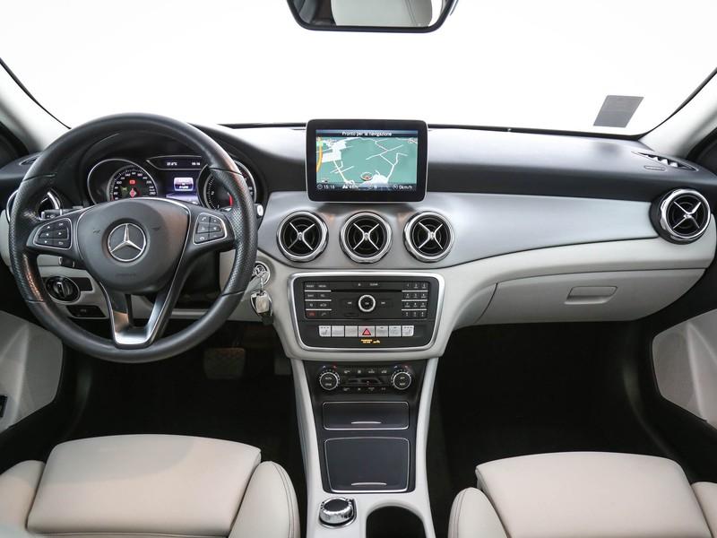 Mercedes GLA 200 d sport auto diesel grigio