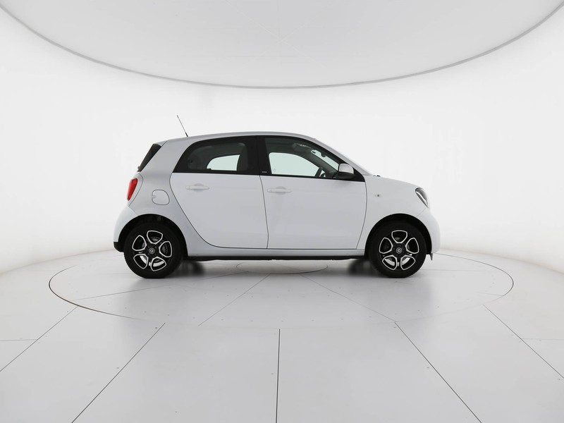 Smart Forfour 1.0 passion 71cv twinamic my18 benzina bianco