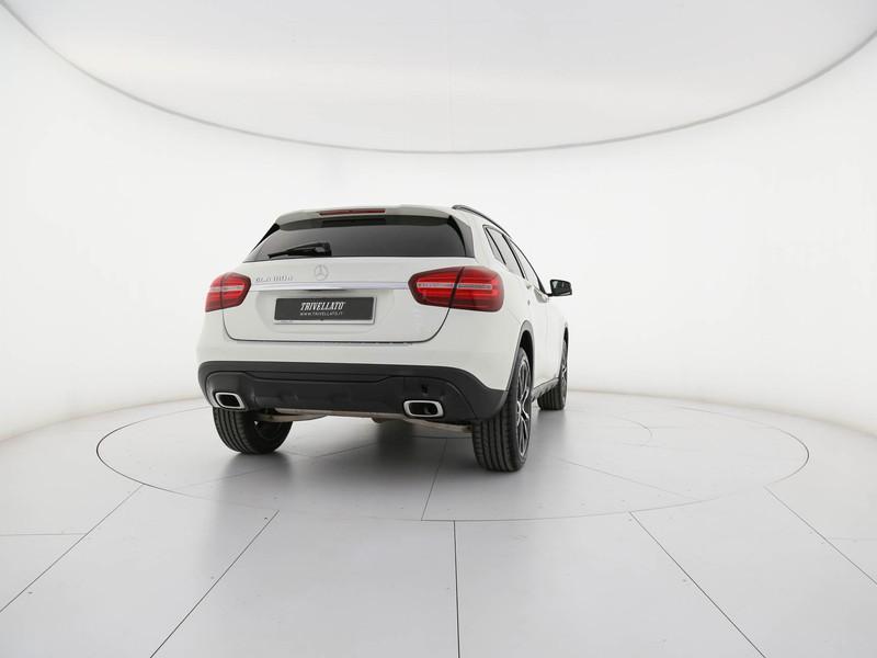Mercedes GLA 180 d sport auto diesel bianco