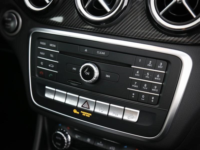 Mercedes GLA 200 d night edition 4matic auto diesel bianco